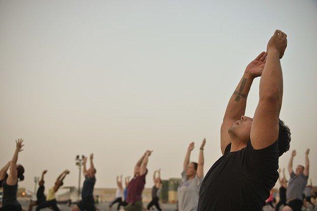 Choisir un correcteur de posture pour enfin se tenir droit et soulager efficacement son dos
