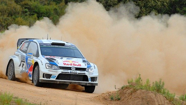 Rallye et mal de dos forces laterales