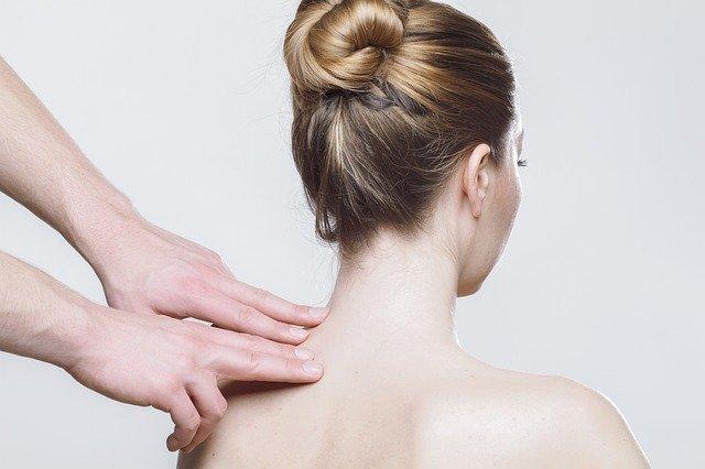 Ostéopathie, kinésithérapie et autres : le guide pour mieux comprendre les spécialistes du dos